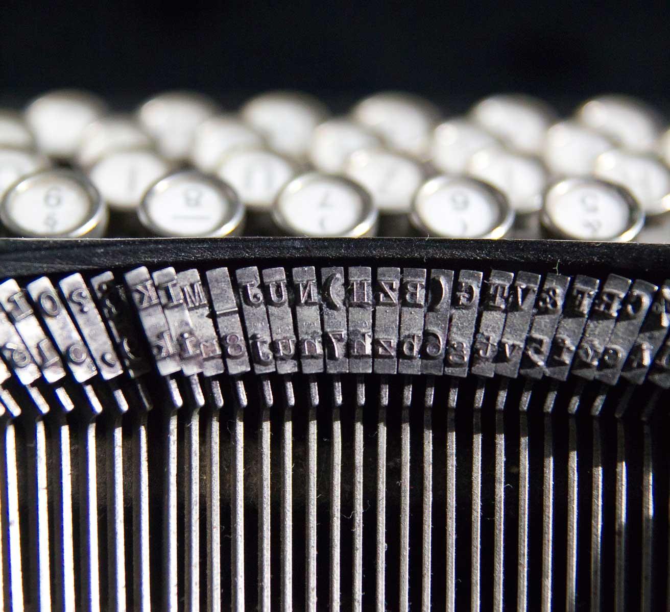 Typenhebel an der Schreibmaschine